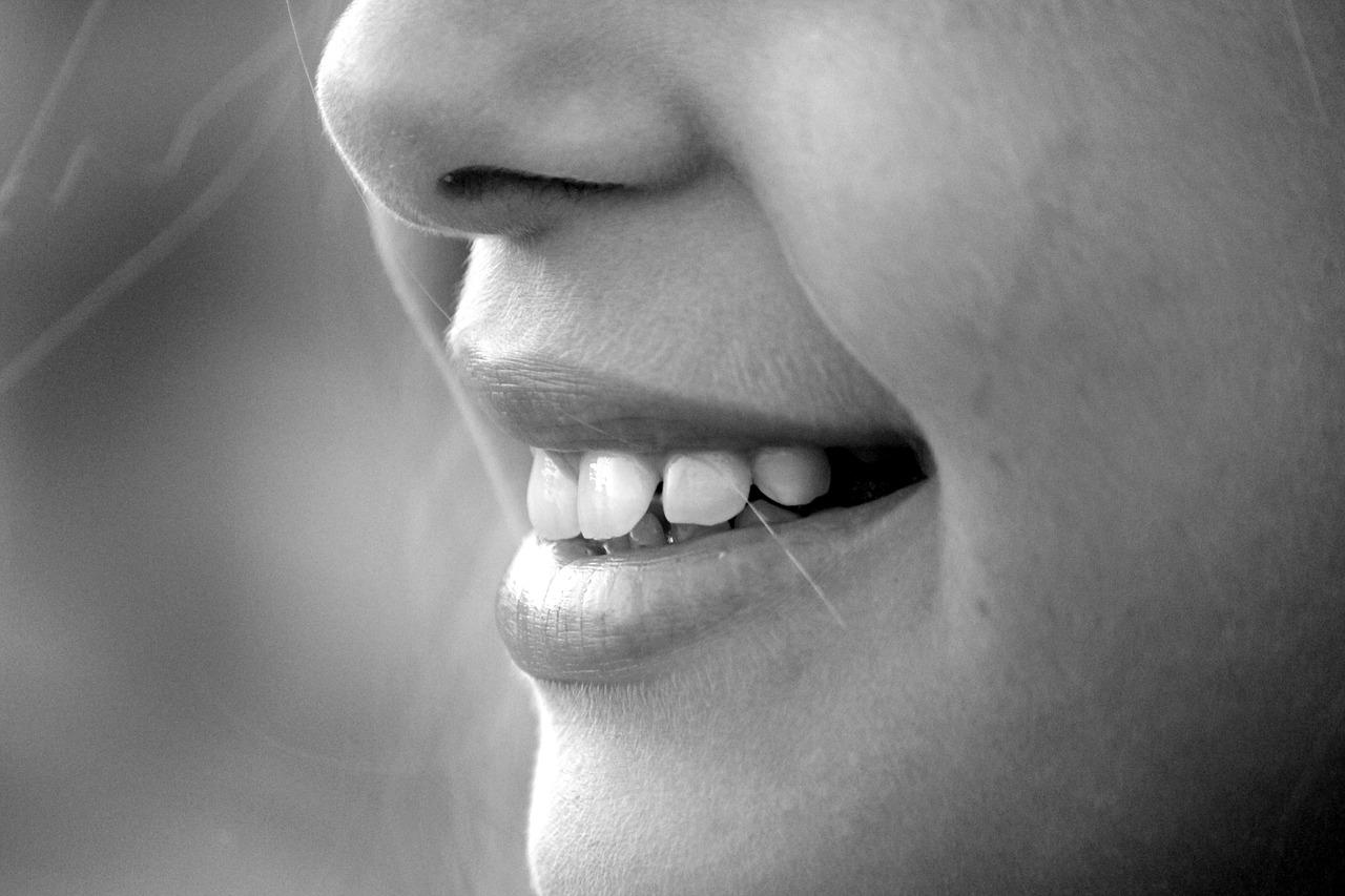 Infopills: Cos'è la gelotologia e perché ridere fa bene alla salute?