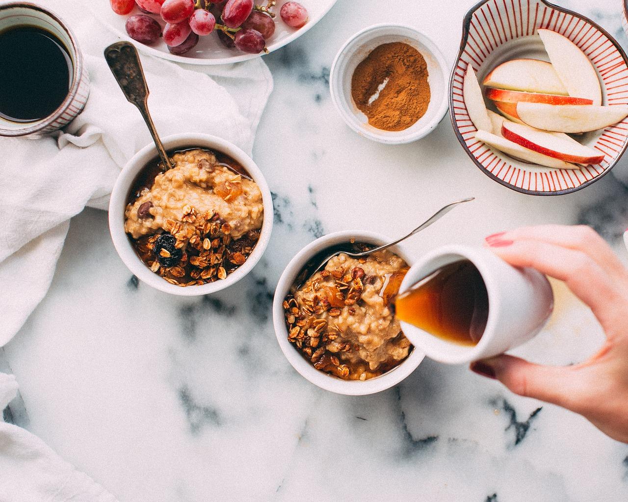 Cosa succede se mangiamo ogni giorno un cucchiaio di miele con cannella?