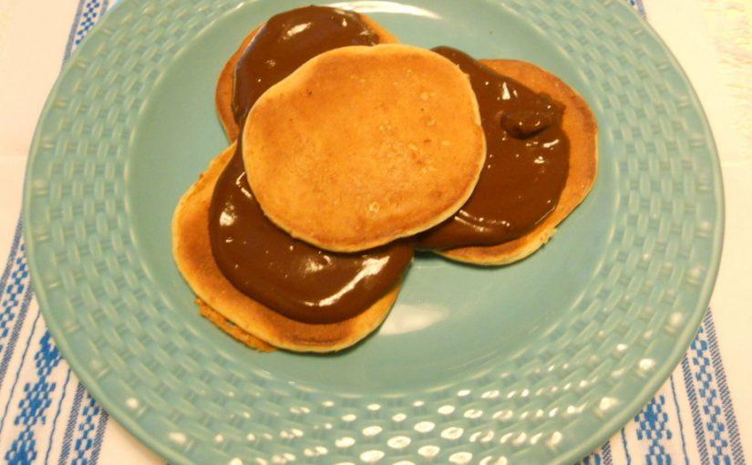 Pancakes integrali al kefir con crema al cioccolato – ricetta light