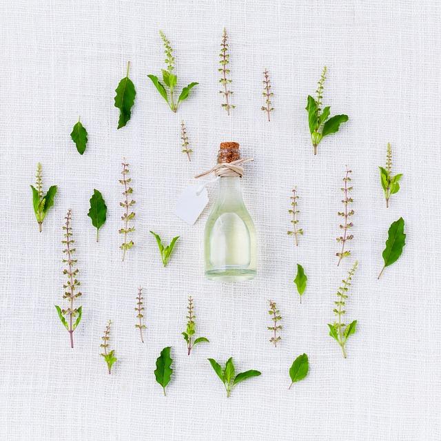 InfoPills: Cos'è l'aromaterapia? Quali sono i suoi benefici, le controindicazioni e quali sono gli oli essenziali più comuni.