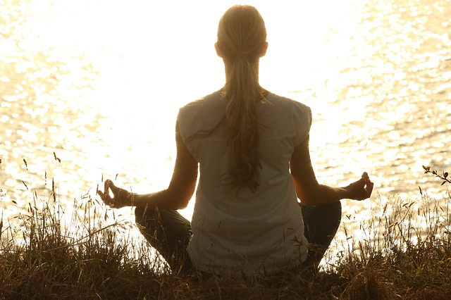 pancia-gonfia-meditazione-pancialeggera