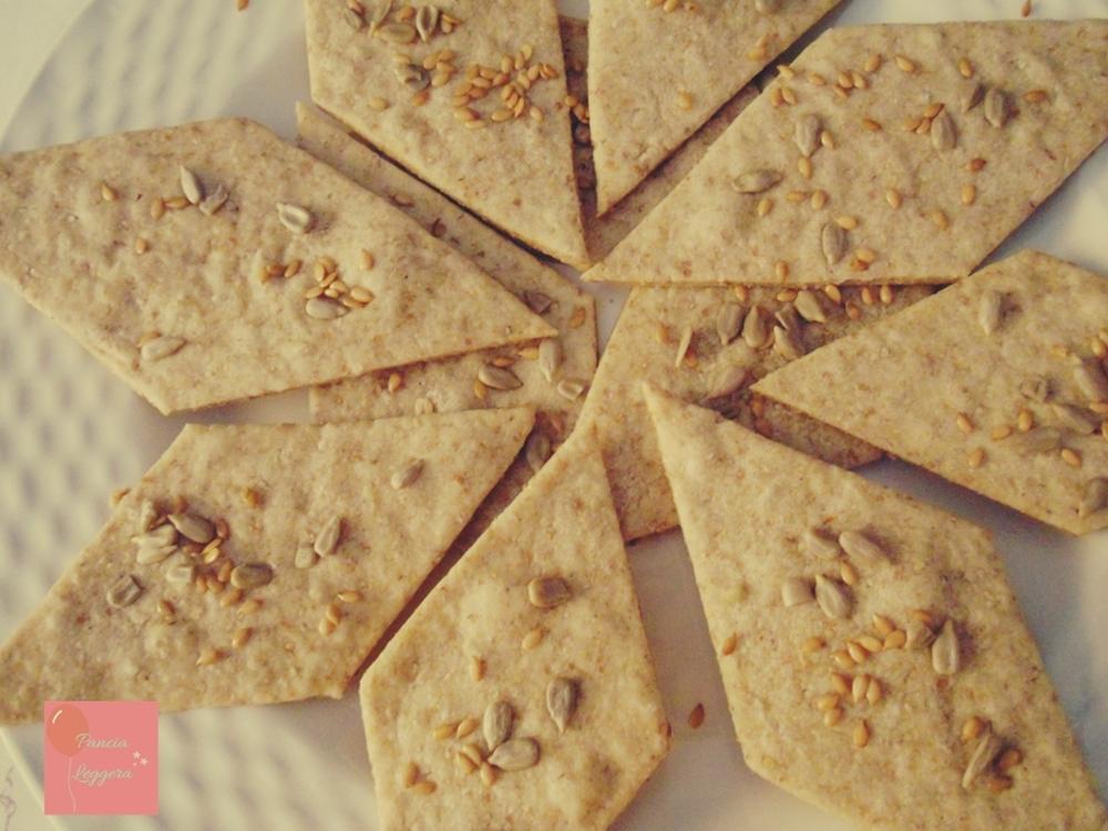 crackers-integrali-senza-lievito-ricetta-facile-pancialeggera