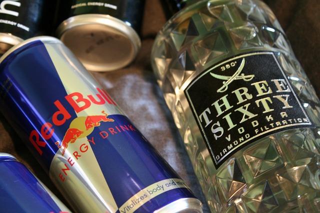 disidratazione-alimenti-da-evitare-energy-drink-pancialeggera