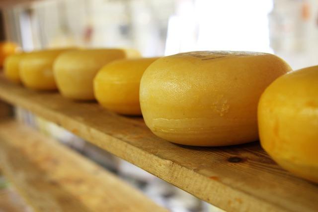 disidratazione-alimenti-da-evitare-formaggi-stagionati-pancialeggera