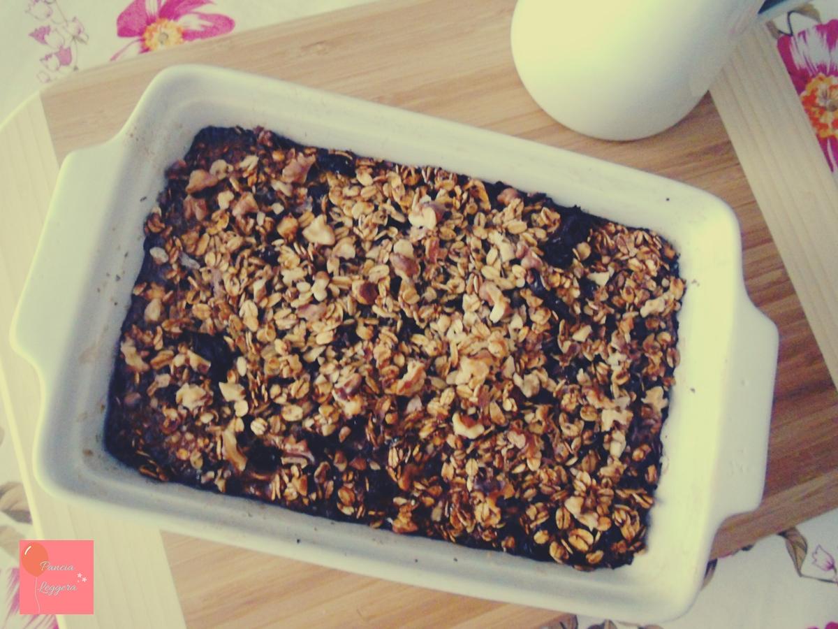 Fiocchi di avena al forno con cioccolato fondente, bacche di Goji, semi di chia e noci – Ricetta facile per una colazione golosa e super nutriente!