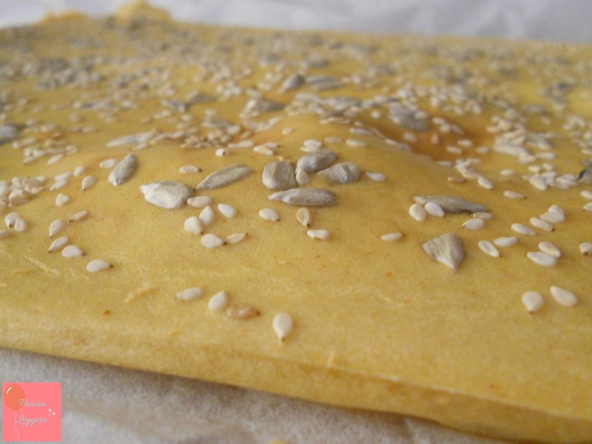 Focaccia con farina di ceci – ricetta veloce, senza glutine e senza lievito