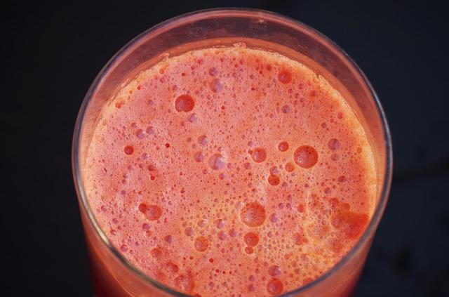 succo-fresco-di-carota-dose-giornaliera-pancialeggera