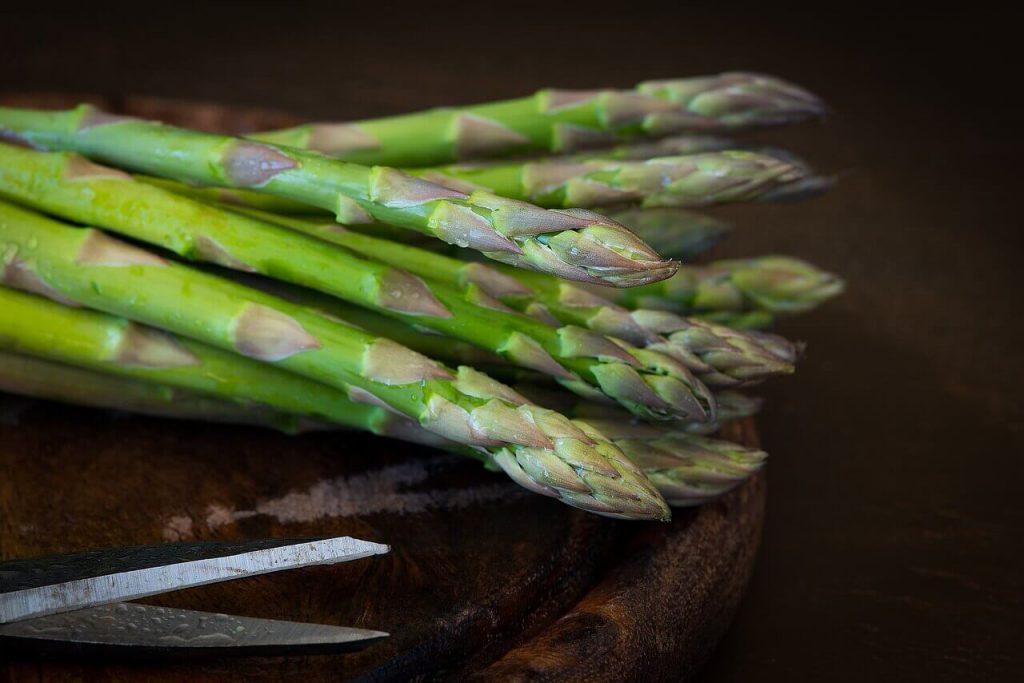 alimentazione-odore-della-pelle-asparagi-pancialeggera