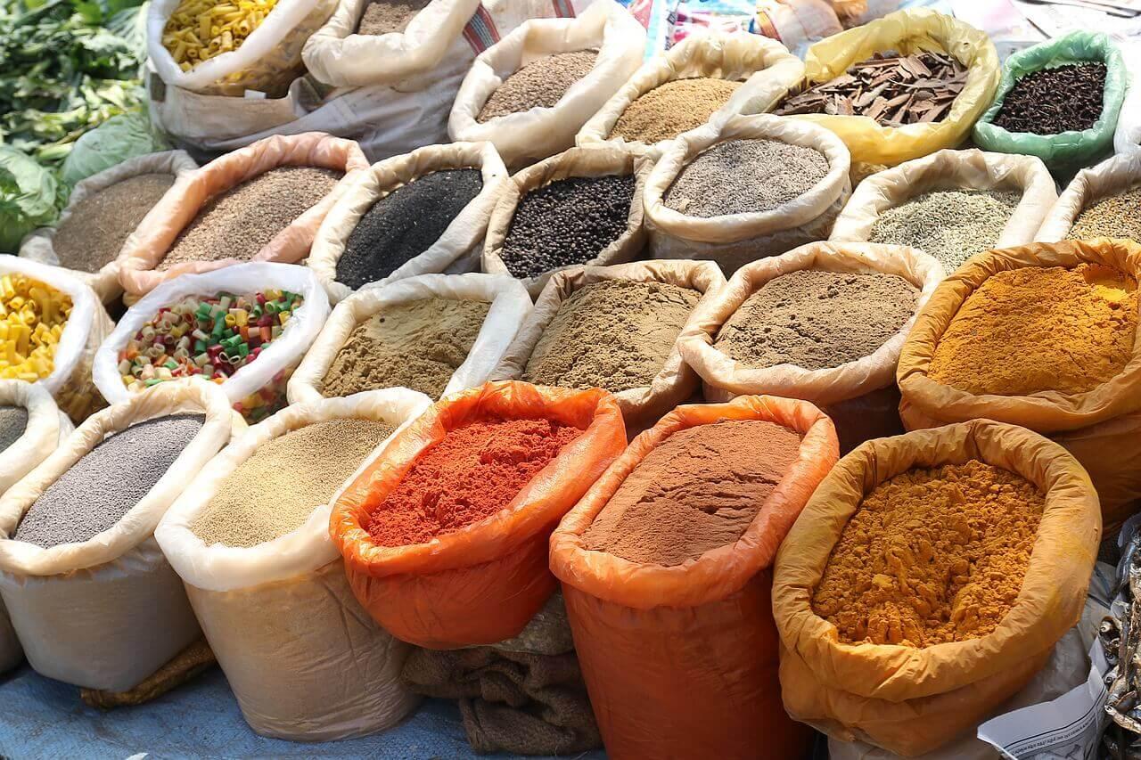 alimentazione-odore-della-pelle-spezie-pancialeggera