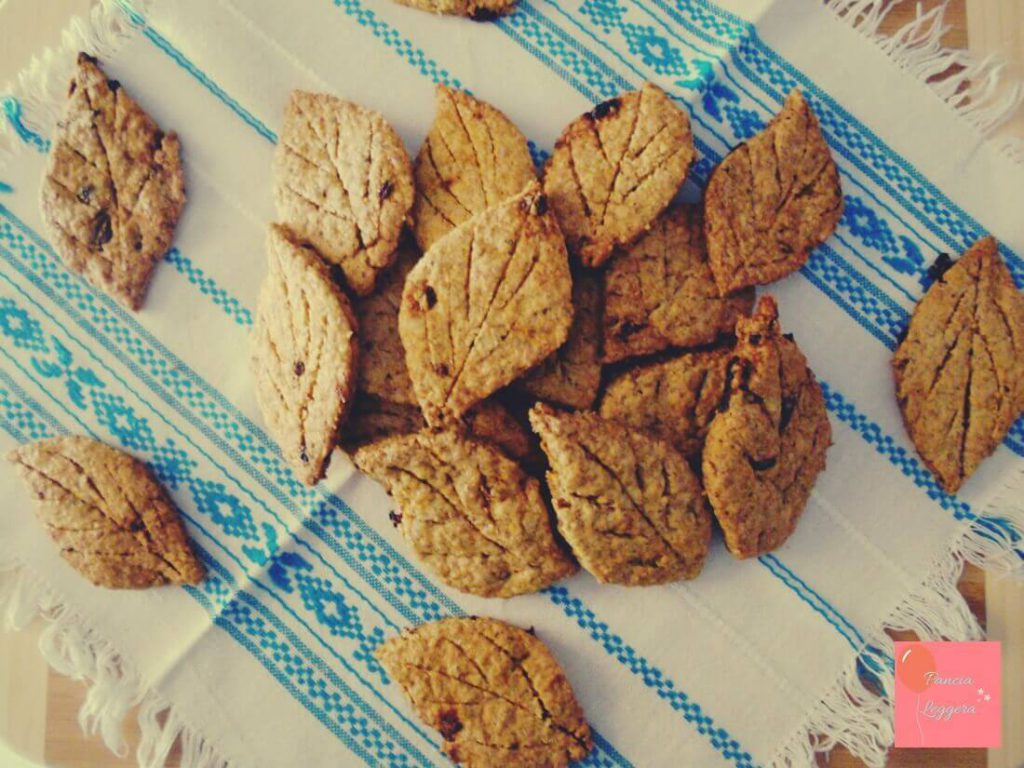 biscotti-integrali-al-tè-verde-e-bacche-di-goji-ricetta-senza-burro-pancialeggera