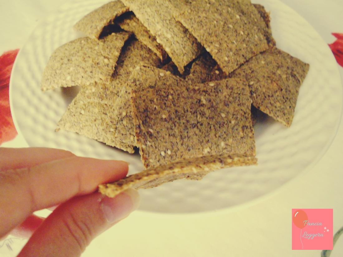 crackers-senza-glutine-lievito-ricetta-veloce-pancialeggera