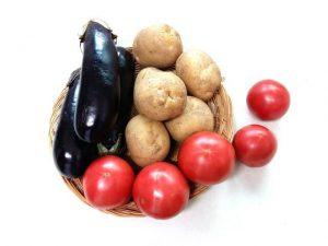 artrite-cibi-da-evitare-pomodoro-patate-melanzane-pancialeggera