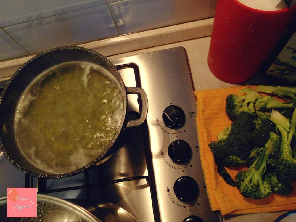 vellutata-piselli-e-broccoli-procedimento1-pancialeggera