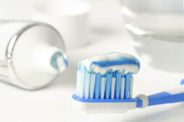 dentifricio-non-fa-bene-alla-pelle-del-viso