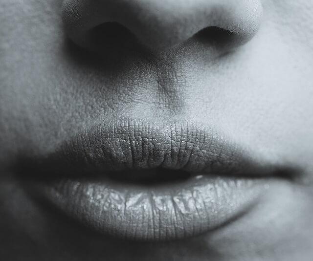 bocca-sintomi-carenza-vitamine-sali-minerali