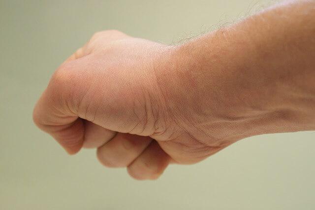 tecniche-per-allentare-la-tensione-contrarre-muscoli