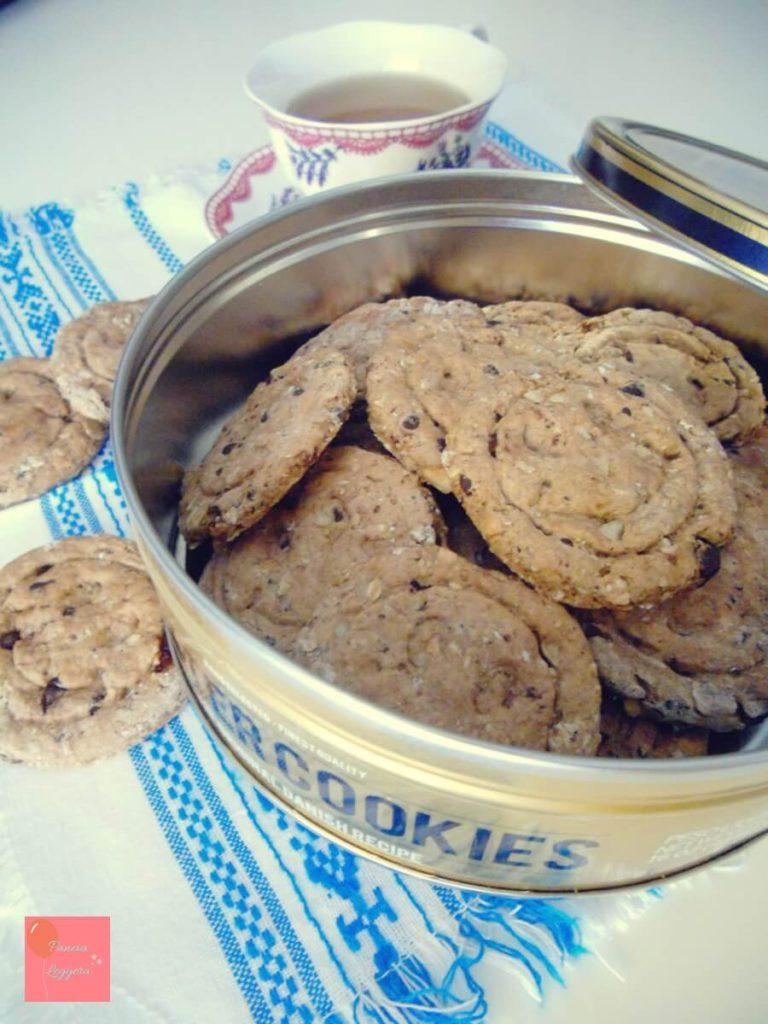 biscotti-integrali-di-farro-con-fiocchi-di-avena-cioccolato-mandorle-e-uvetta