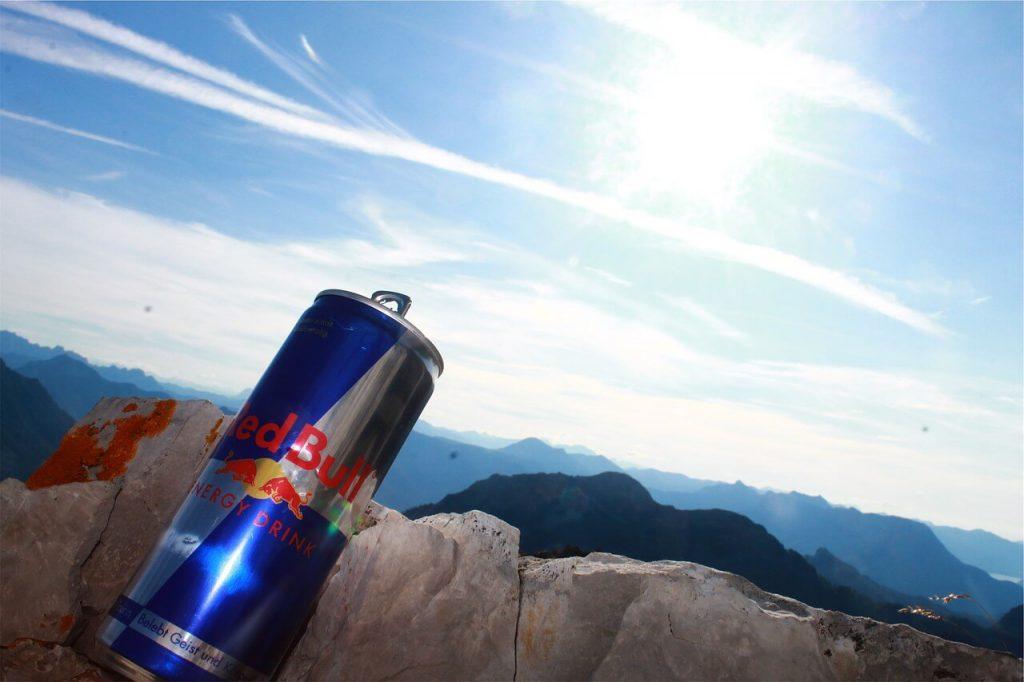 cibi-che-causano-stanchezza-bevande-energetiche